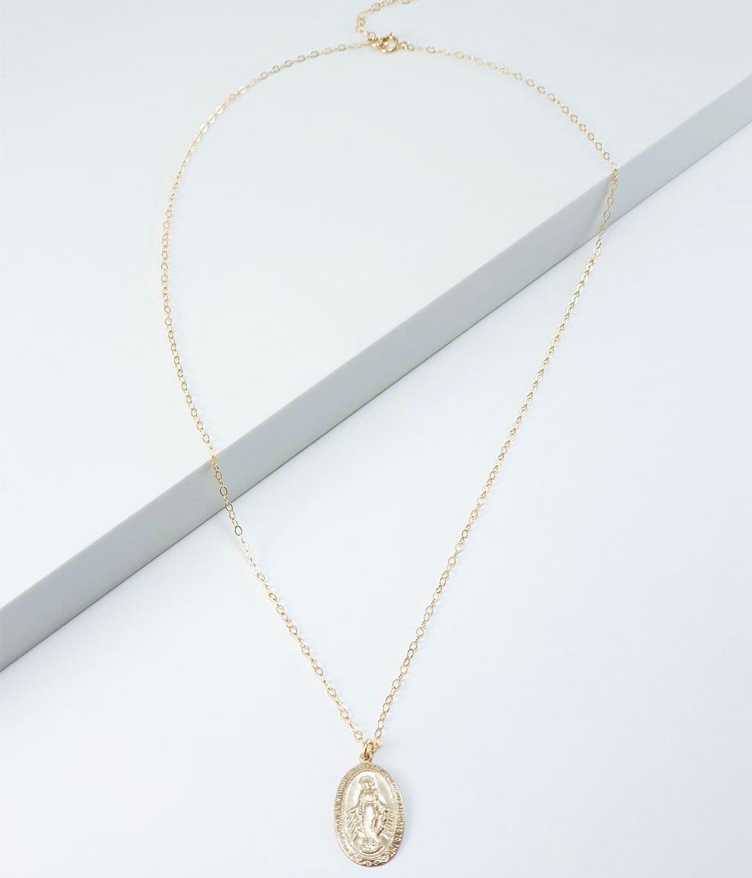 VM-oval-necklace